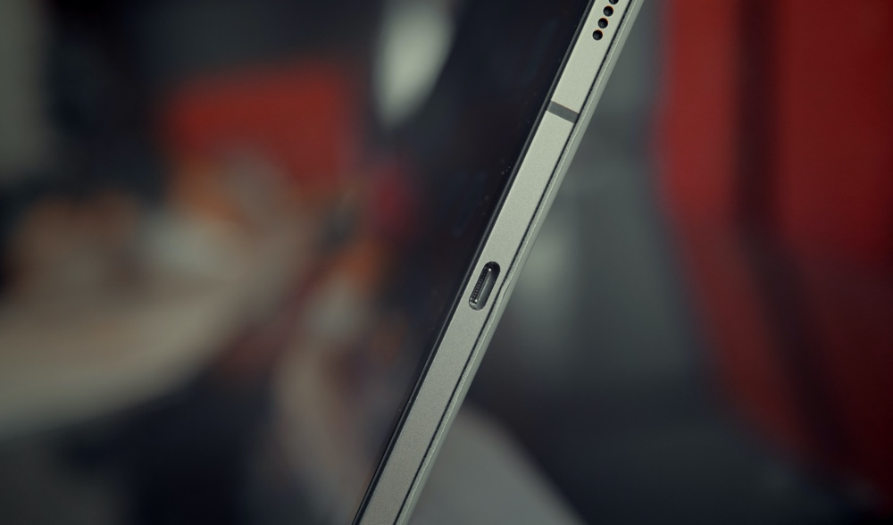 iPad's lack of ports is not a problem, for some