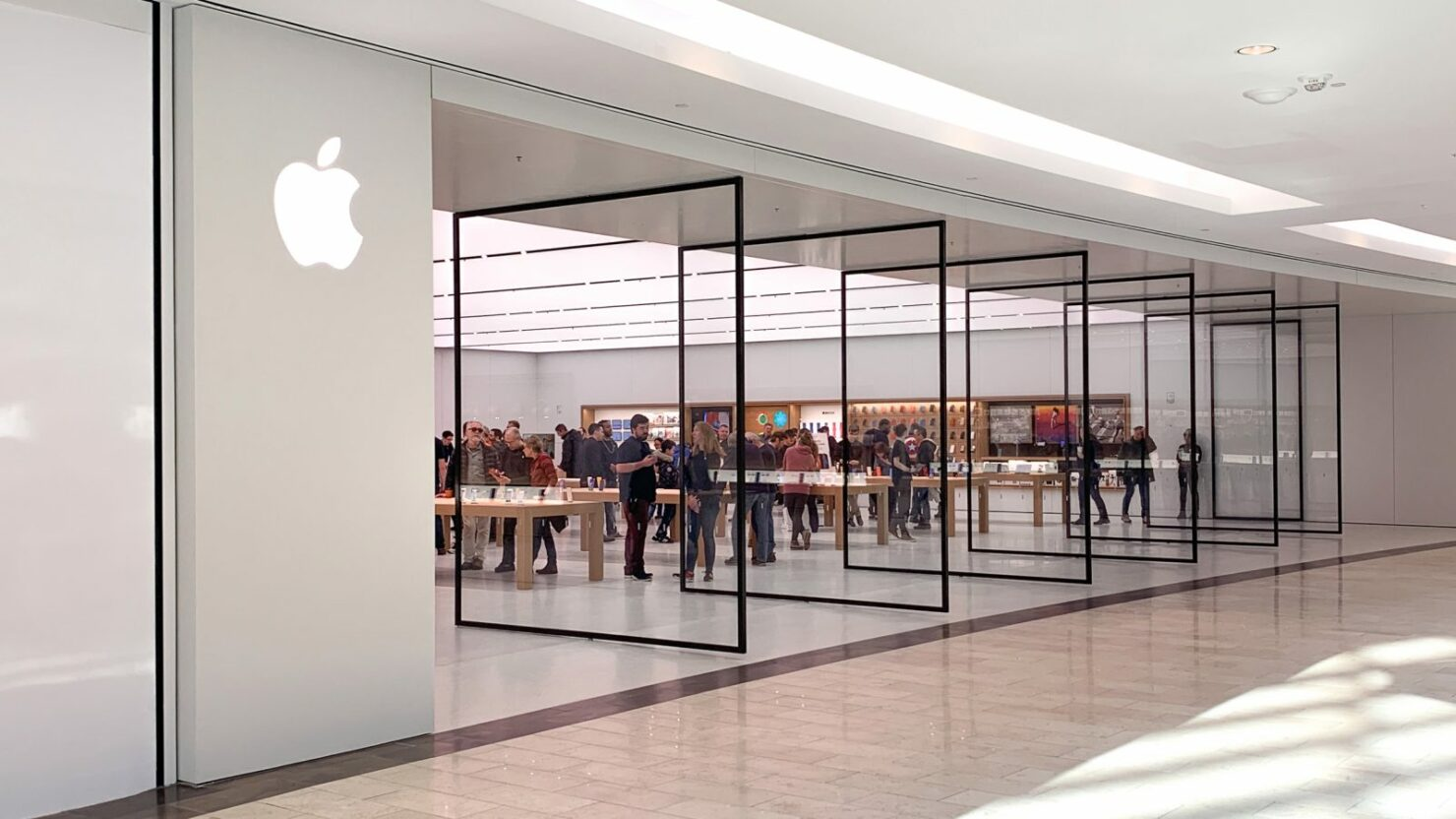 Apple Begins Opening More Stores Across China