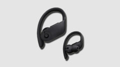 New Powerbeats 4 Spotted in Walmart Ahead of Expected Unveiling
