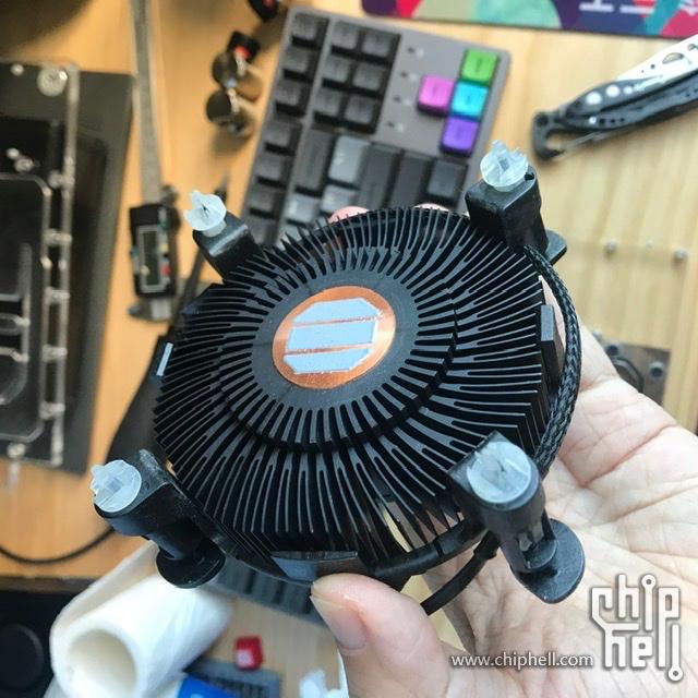 intel-boxed-cpu-cooler_10th-gen-desktop-comet-lake-processors_5