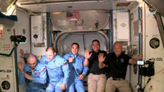 nasa-astronauts-spacex-dragon-2-dm-2-iss
