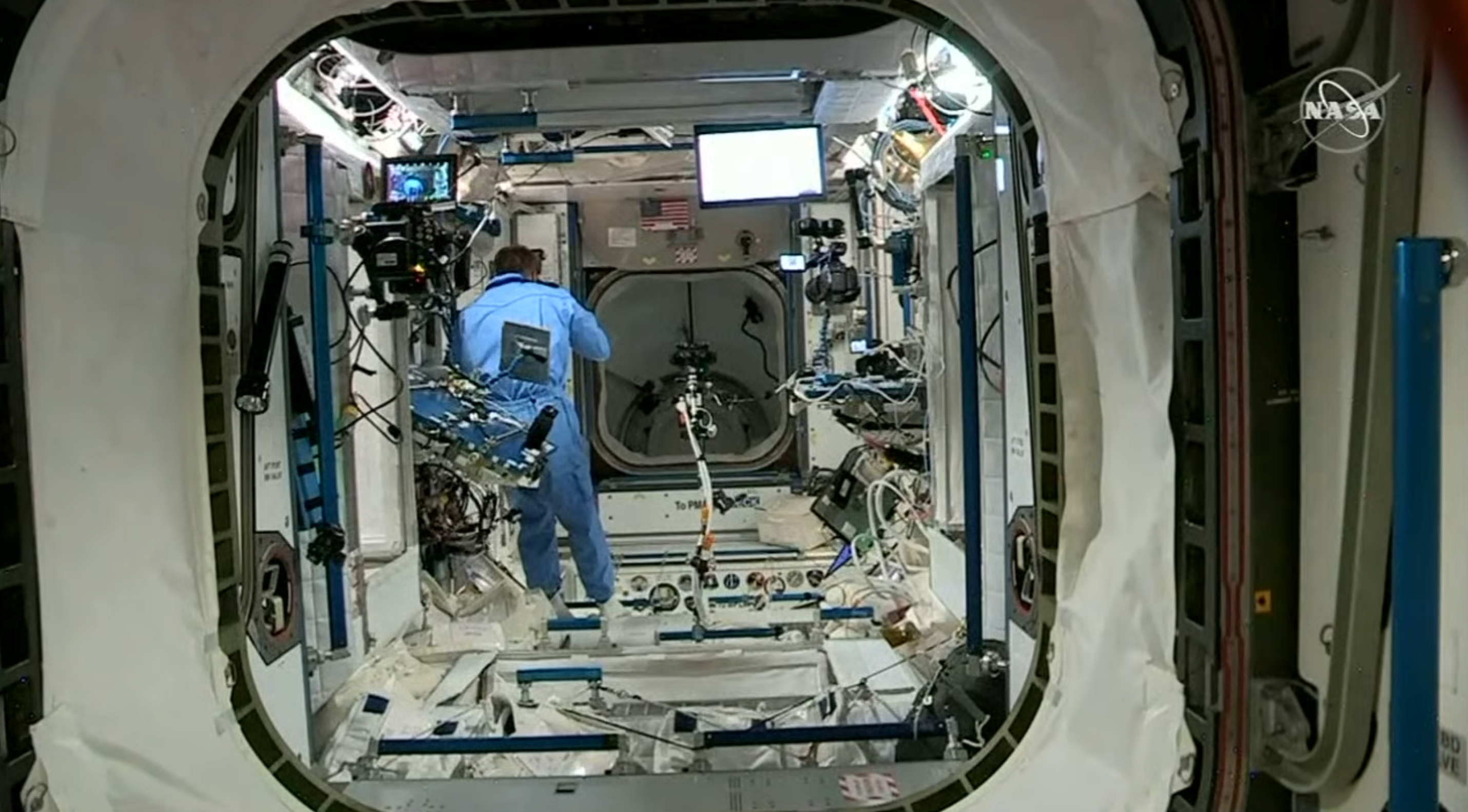 NASA Chris Cassidy DRAGON DM 2 CREW BOARDING ISS