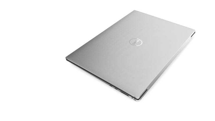 xps17_top_view_side_angle_closed-custom