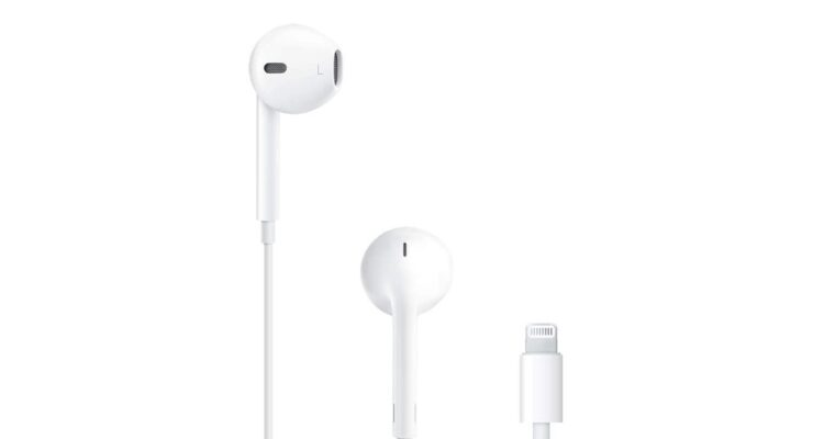 EarPods with Lightning connector discounted to $17