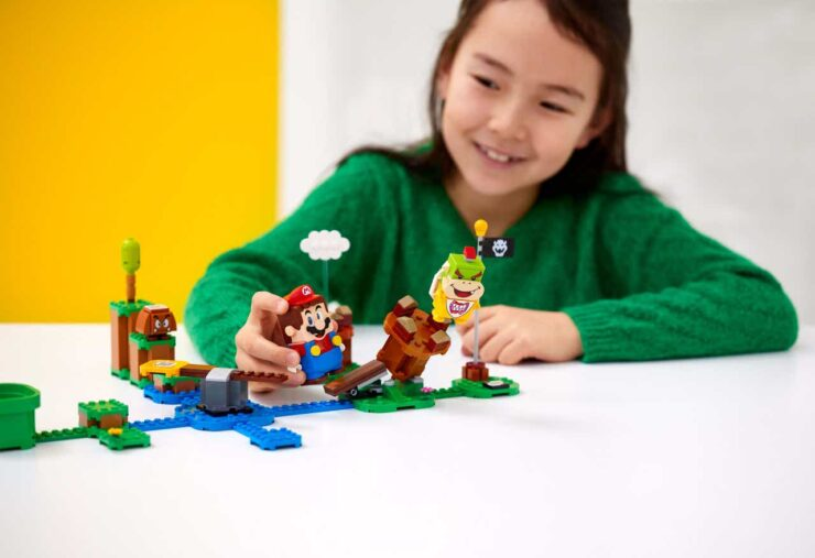 lego-super-mario-action-shot