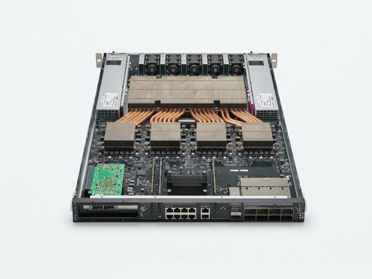 graphcore-colossus-mk2-gc200_ipu-m2000-server_chip_5