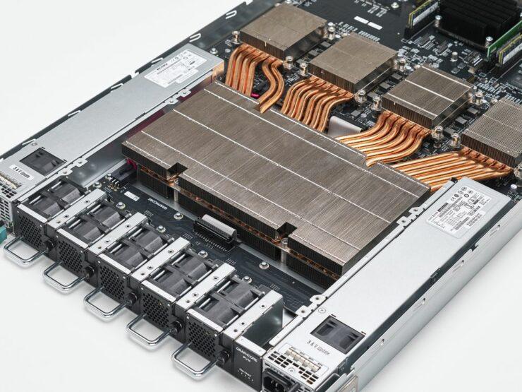 graphcore-colossus-mk2-gc200_ipu-m2000-server_chip_8