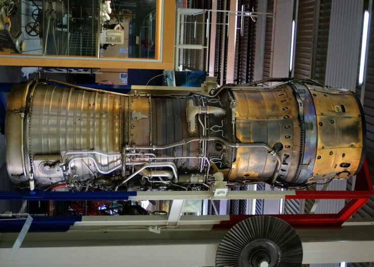 Virgin Galactic partner Rolls Royce jet engine