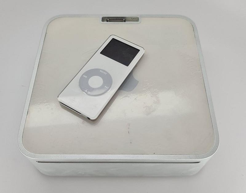 Mac Mini iPod dock