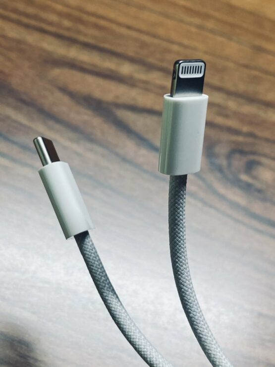 iphone-12-braided-usb-c-to-lightning-cable-4
