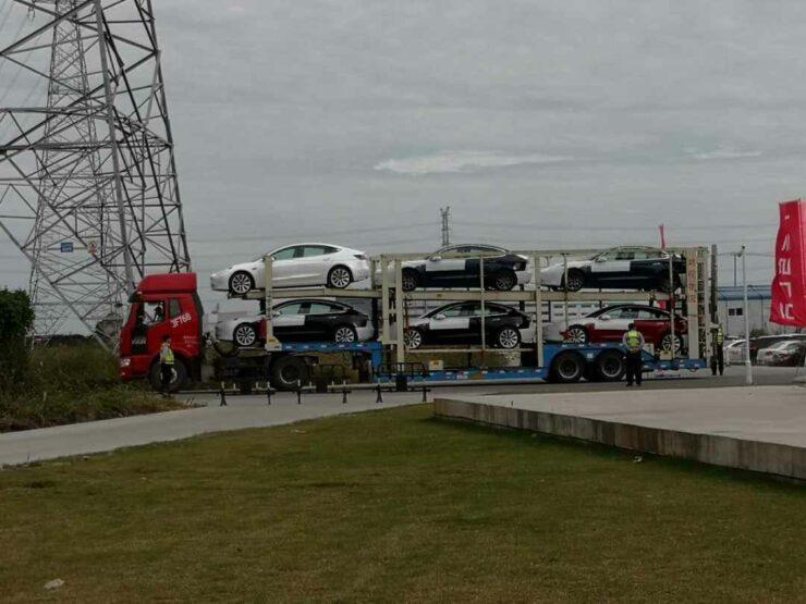 tesla-china-vehicles-heading-port