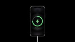 iPhone 12 MagSafe Wireless Charging\