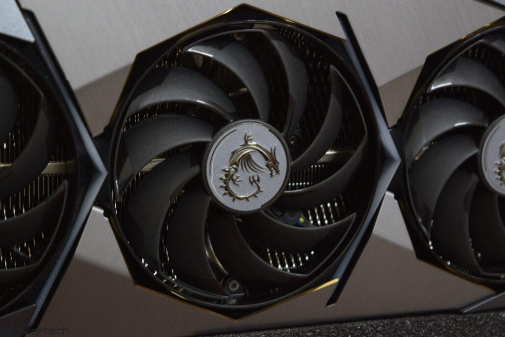DSC_0195-Custom-1030x687.jpg