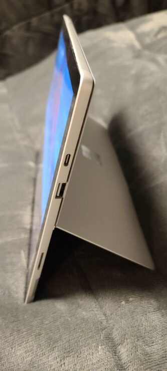 surface-pro-8-prototype-images-4
