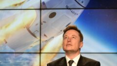 elon-musk-nasa-kennedy-spacex-dragon