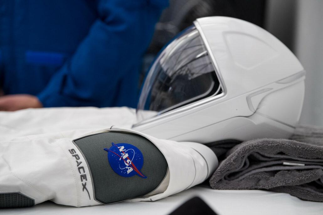 SpaceX spacesuit and helmet