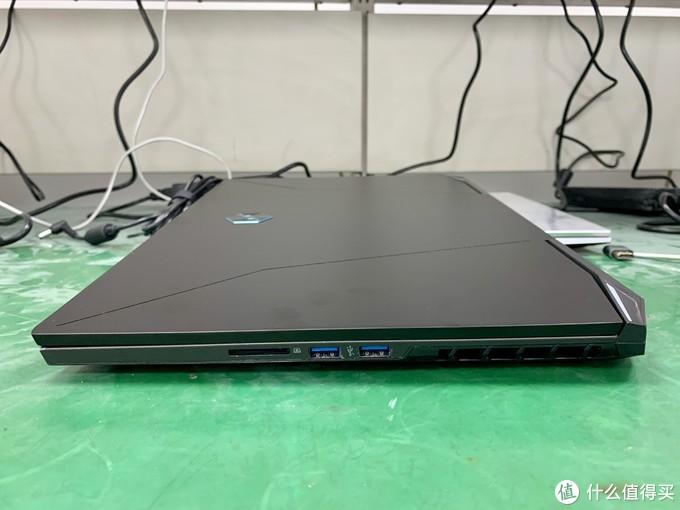 mechrevo-17-inch-gaming-laptop-with-amd-ryzen-9-5900h-cezanne-zen-3-cpu-nvidia-geforce-rtx-30-gpu-_11