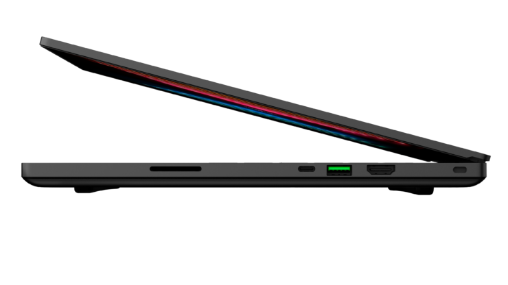 razer-blade-15-advanced-2021-fhd-render-4