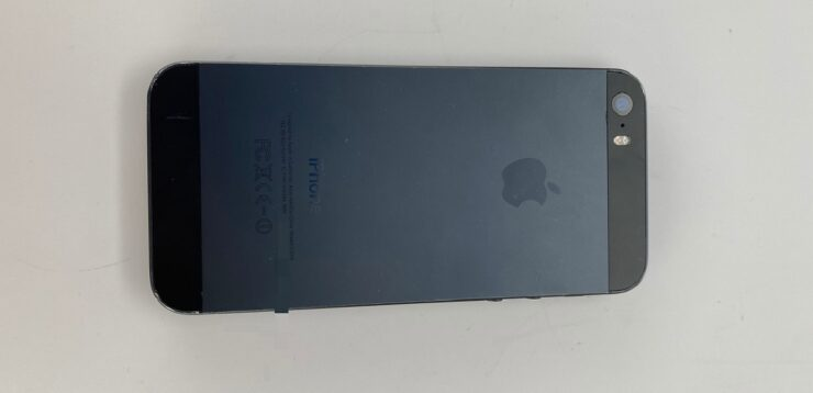 iPhone 5s Prototype in Black and Slate color
