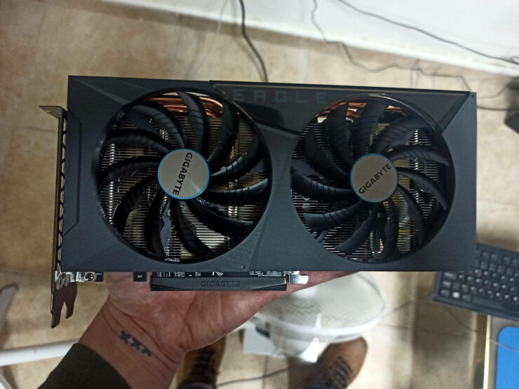 gigabyte-geforce-rtx-3060-eagle-oc-12-gb-graphics-card-_three