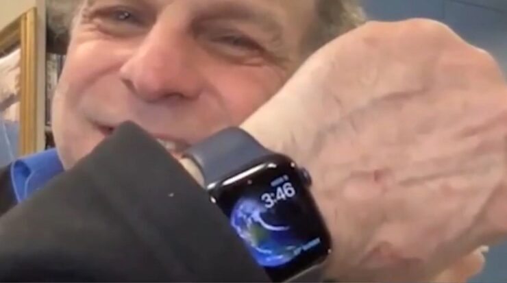 Apple Watch saves man's life who fell through ice