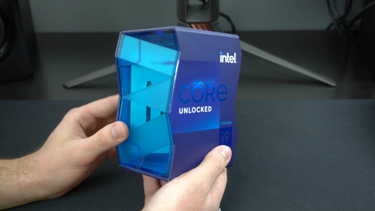intel-core-i9-11900k-unboxing-0-25-screenshot_videocardz