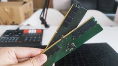 ddr5-memory-modules-with-pmic-pictured-_3
