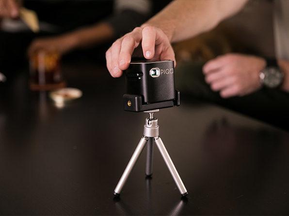 PIQO 1080p Mini Projector