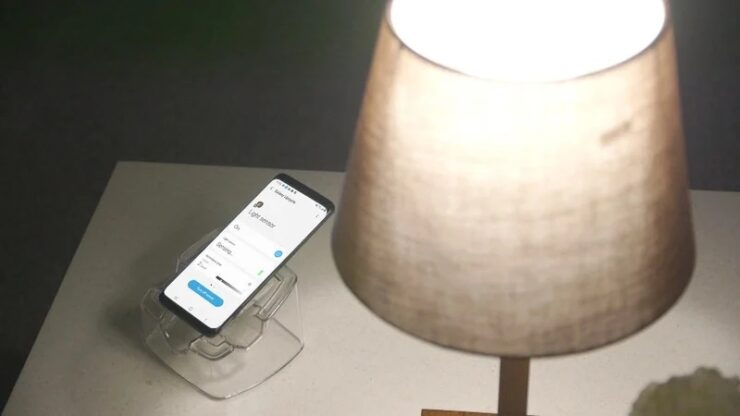 Galaxy Upcycling at Home Allows You to Use Old Samsung Phones as IoT Devices