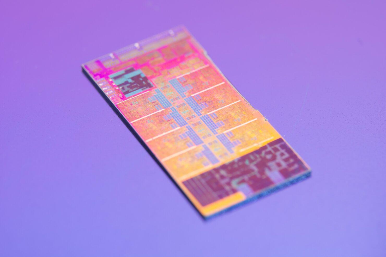 Intel Rocket Lake Desktop CPU Tested While Delidded, Gets Super High-Res Die Shots 3