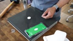 Apple AirTag survives hammer test