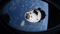 spacex-dragon-resilience-iss-docking