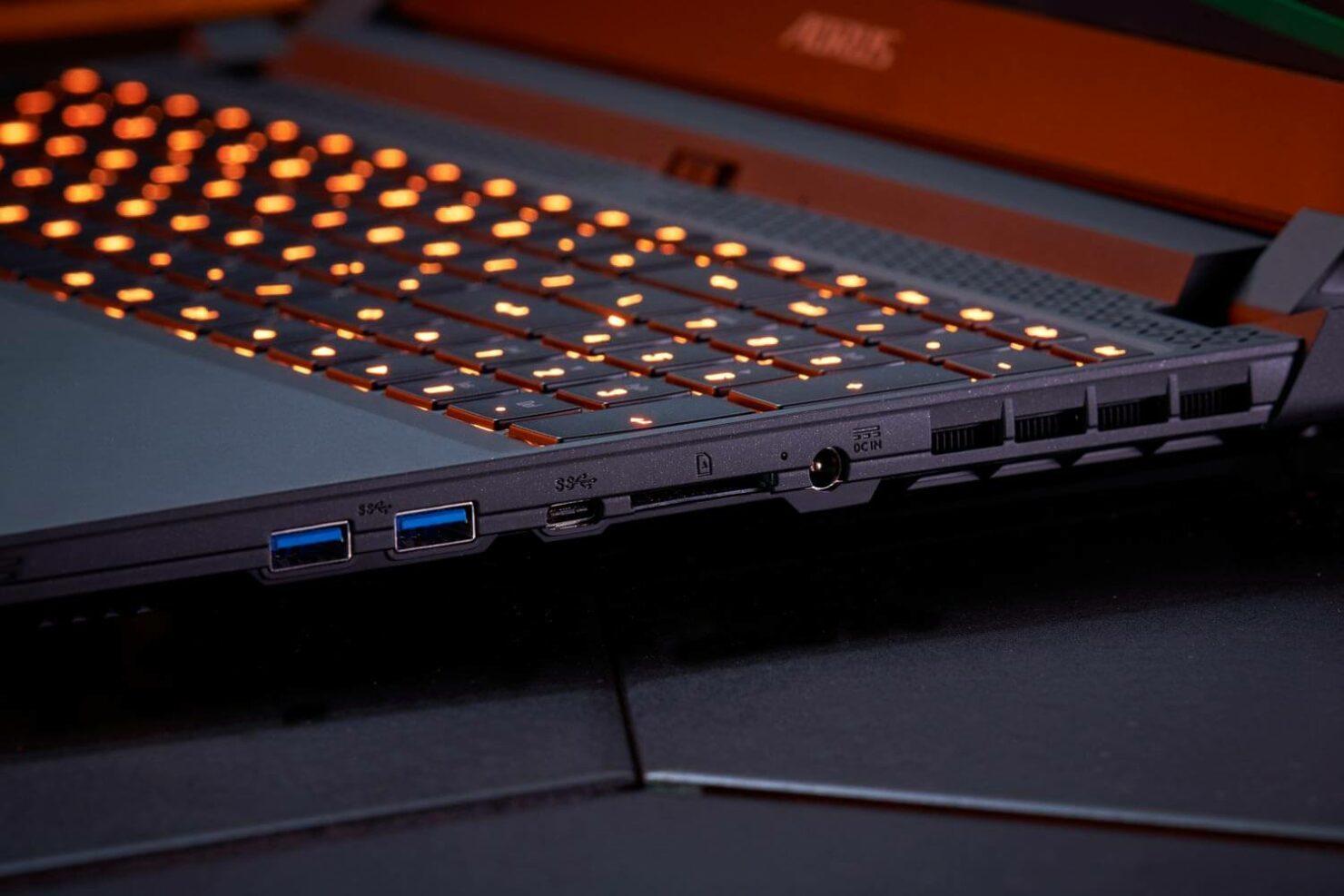 aorus-intel-11th-gen-gaming-laptop-4
