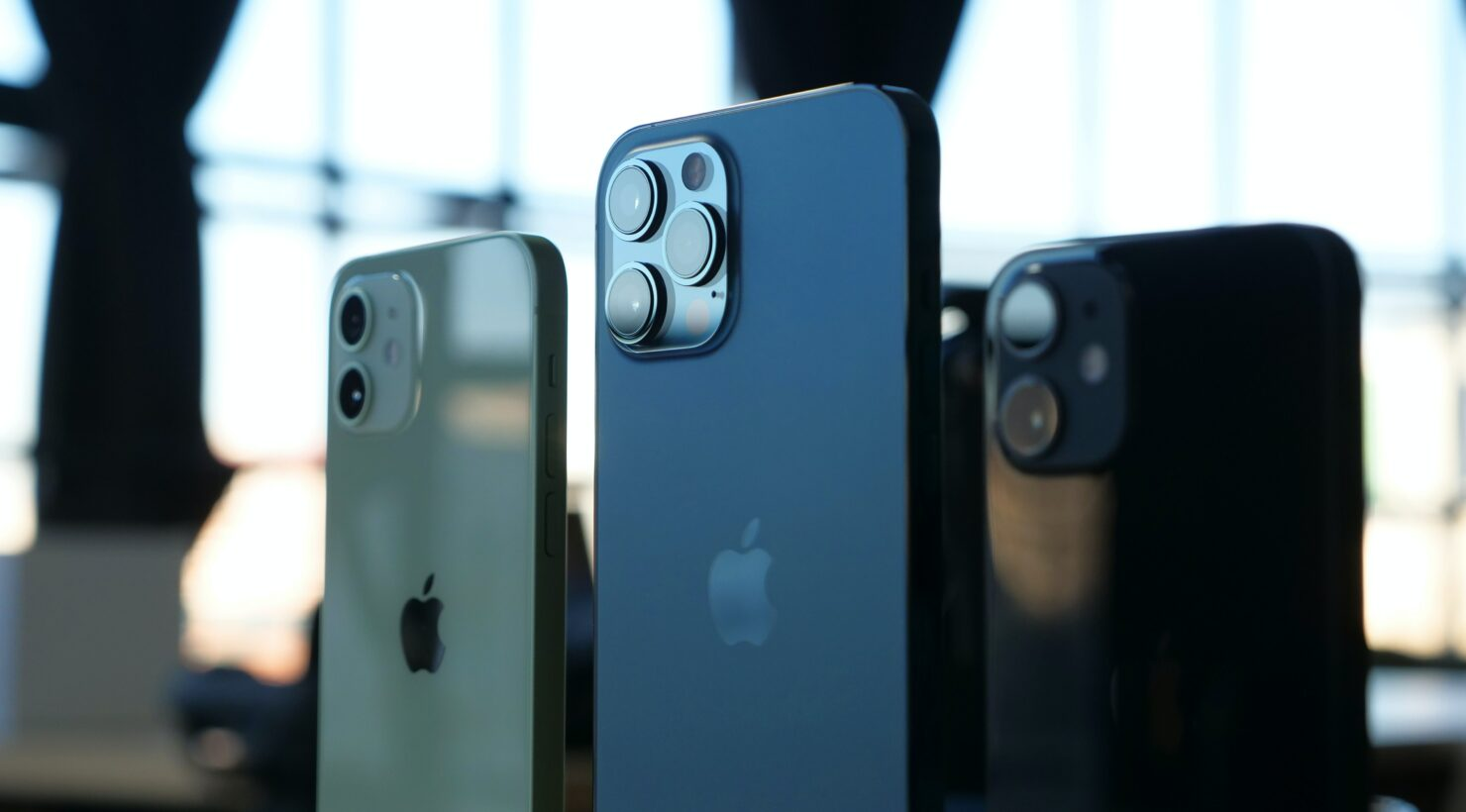 iPhone 12 Leads the Record Smartphone Shipments in Japan