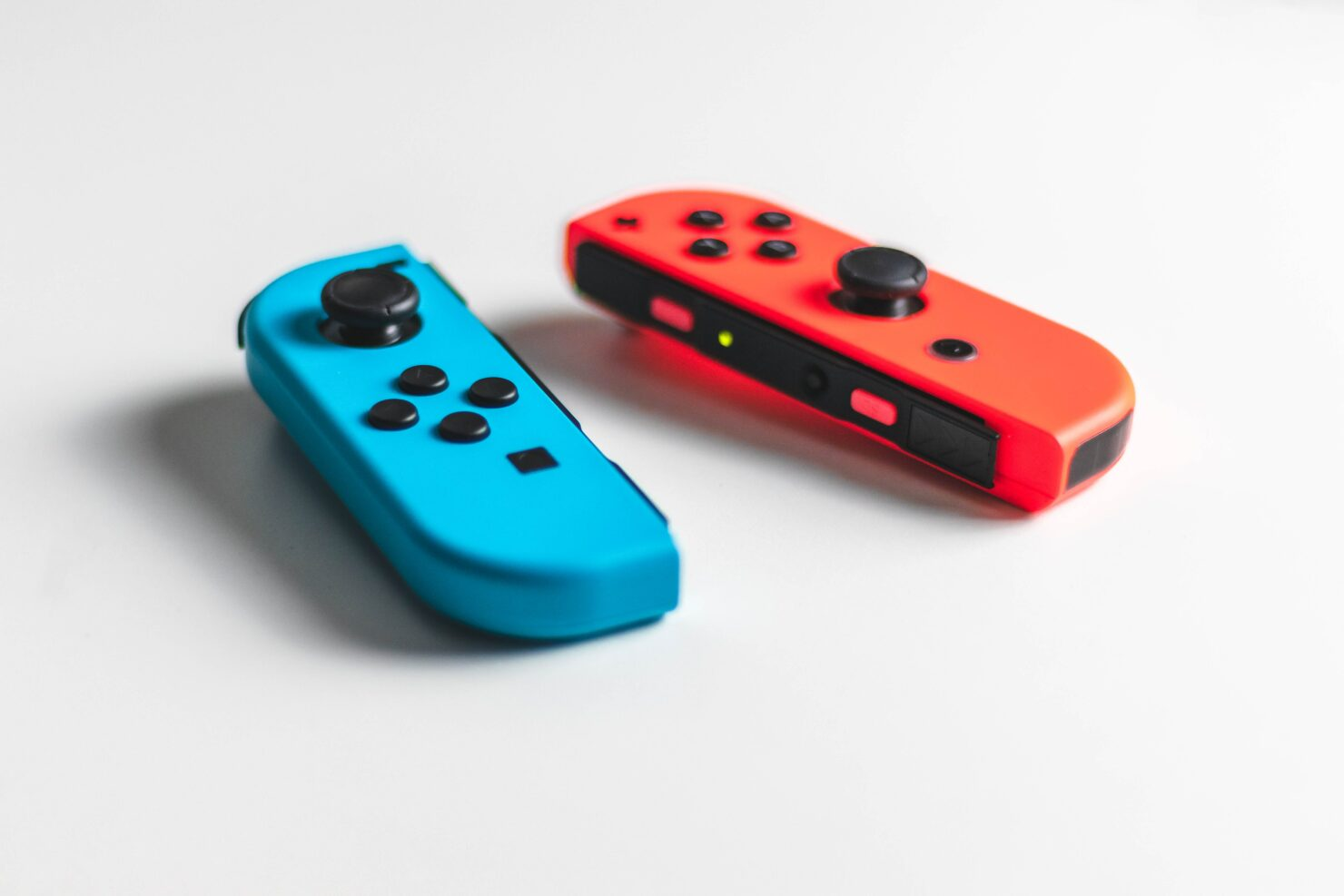 Galaxy Smartphones Can Use Nintendo Switch Joy-Cons for Controlling the Camera
