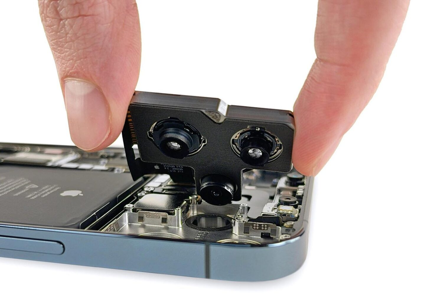 iFixit CEO Criticizes Apple, Samsung in Preventing Consumers From Repairing Their Own Devices