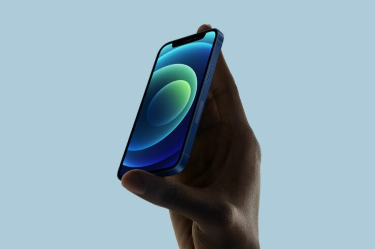 Apple to Overtake Samsung for Highest OLED Smartphone Shipments in 2021