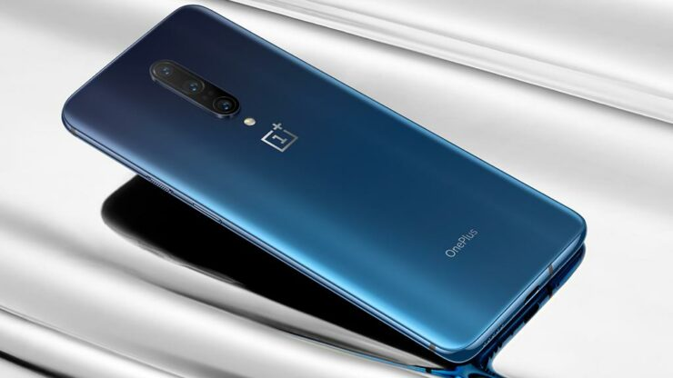 OnePlus 7 Series Received OxygenOS 11.0.3.1 with Bitmoji Support and More