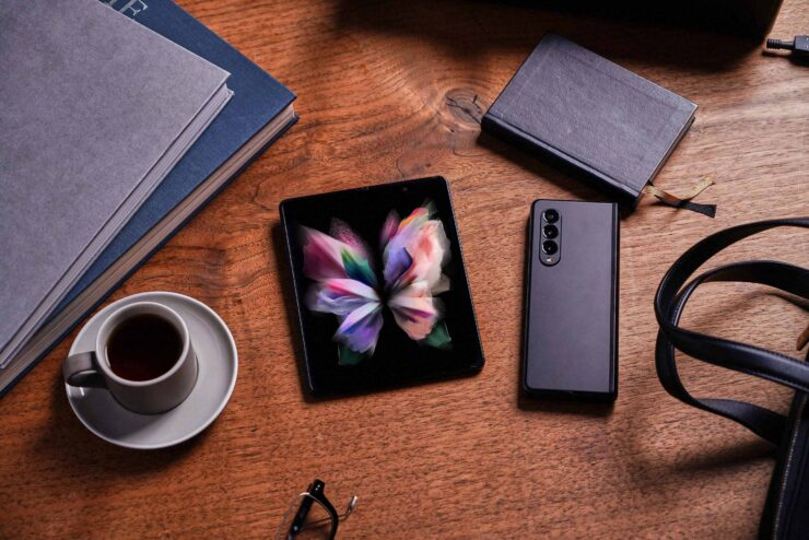 Galaxy Z Fold 3 Gets Disassembled and Scores Poorly