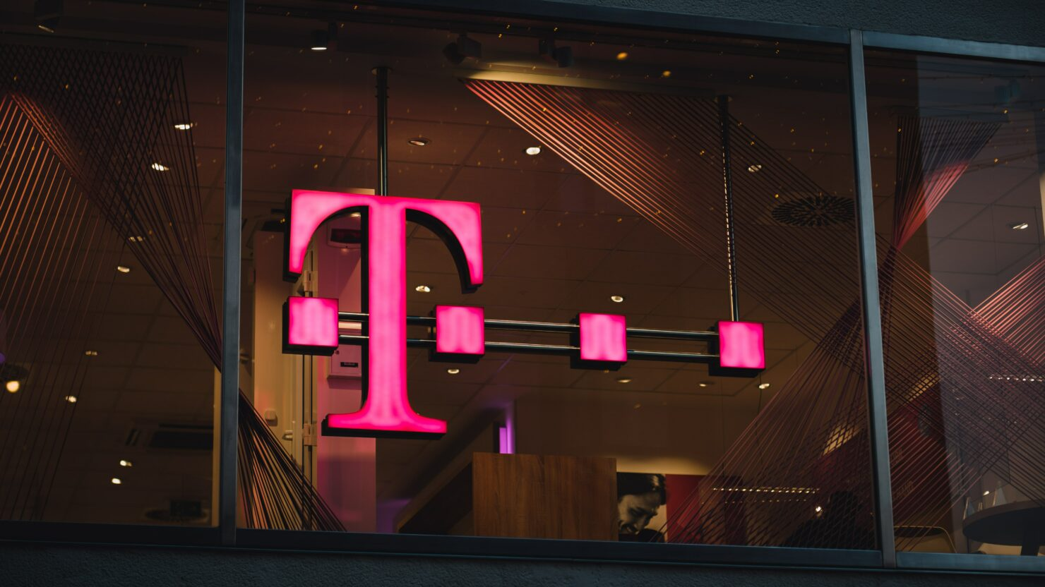 T-Mobile is Shutting Down Sprint's LTE Network Next Year