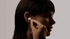 apple-airpods-pro-labor-day