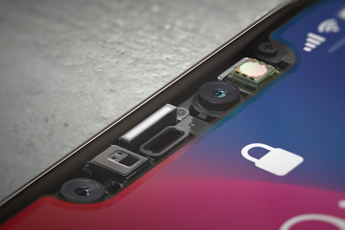Face ID on iPhone 13 Will Stop Working Even if the Display Is Replaced With an Original Screen