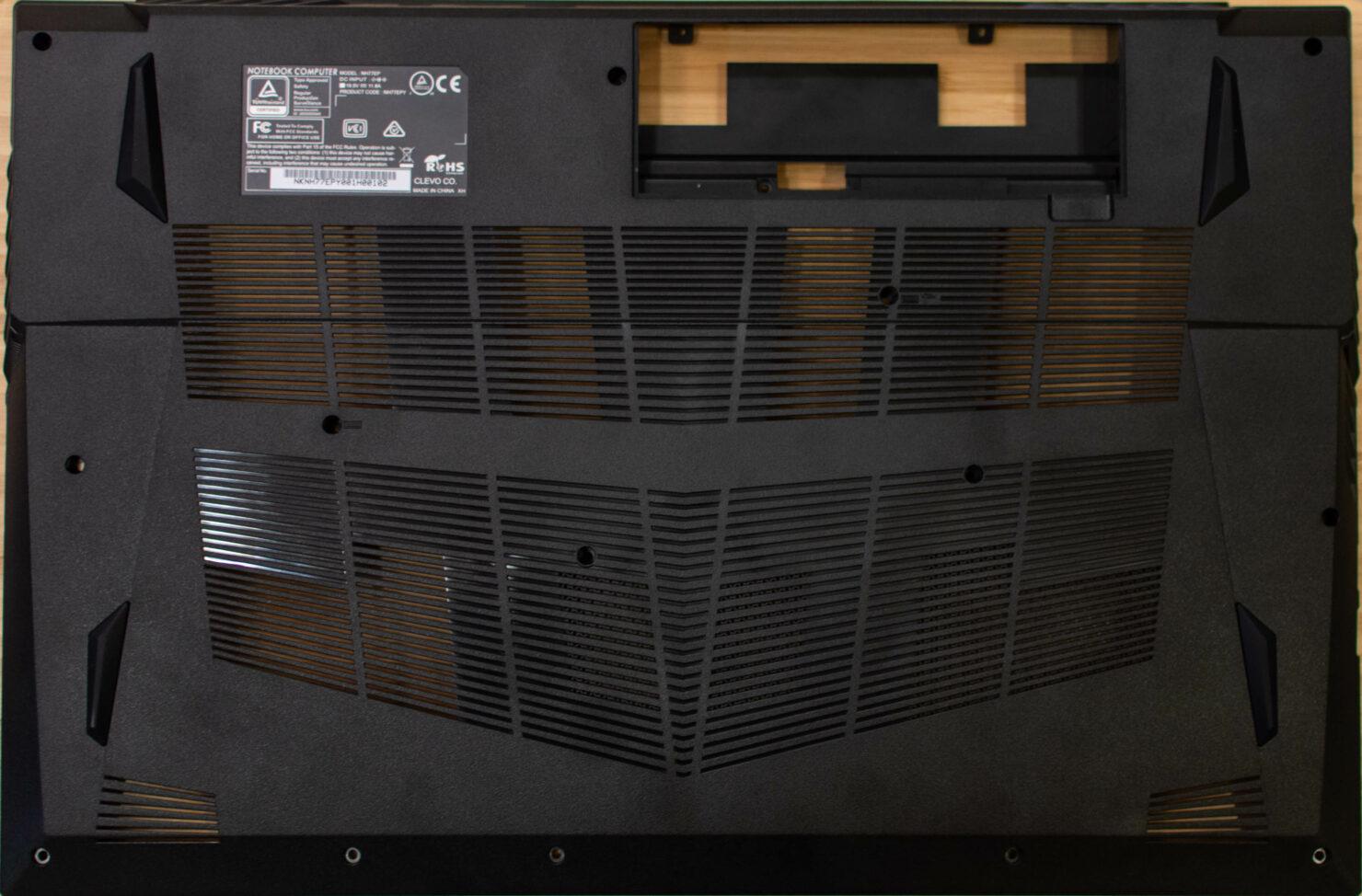 apex17_m21_bottom-case-ventilation