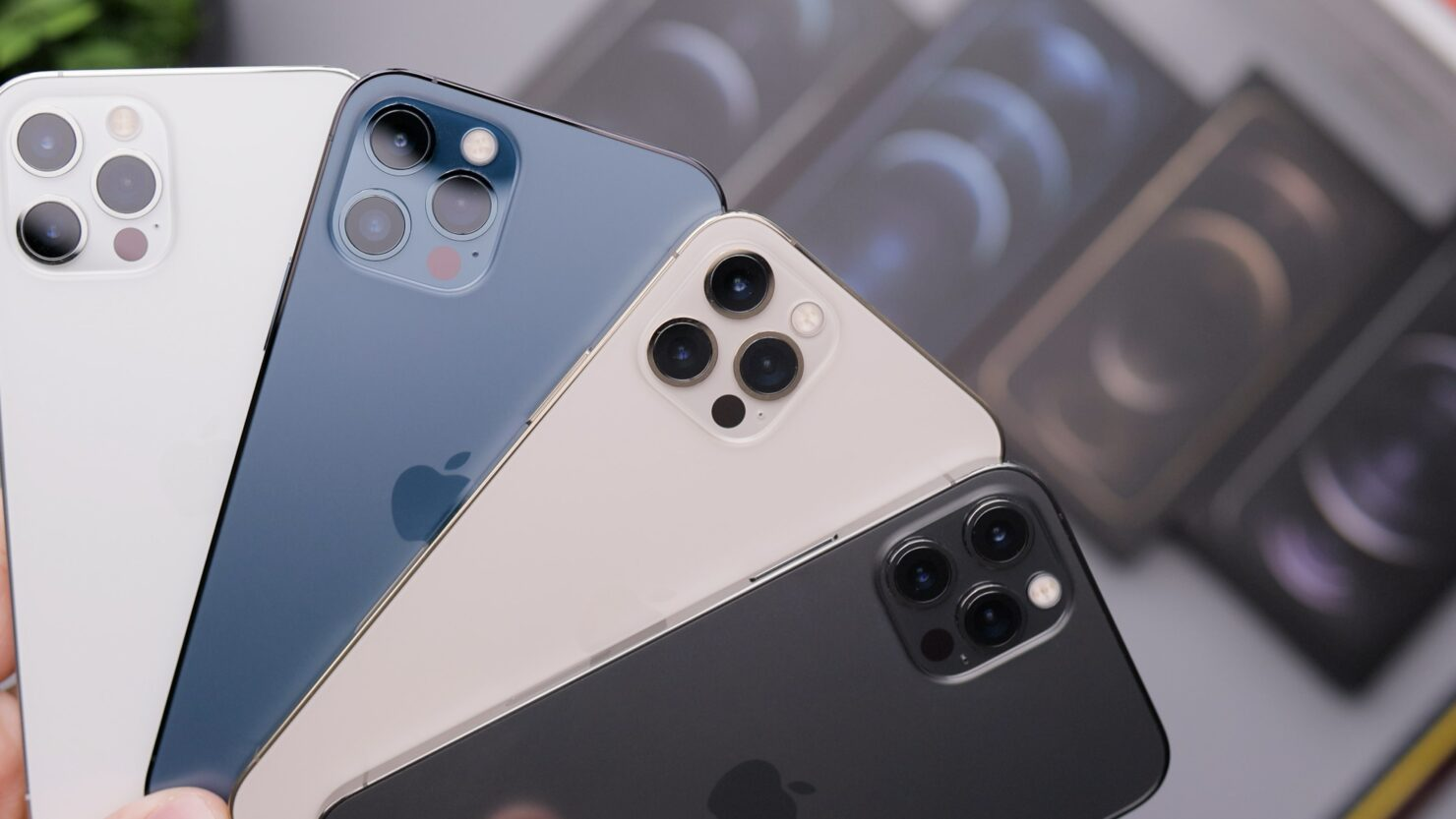 Apple Takes the Lead Over Samsung and Huawei in Premium Smartphone Market
