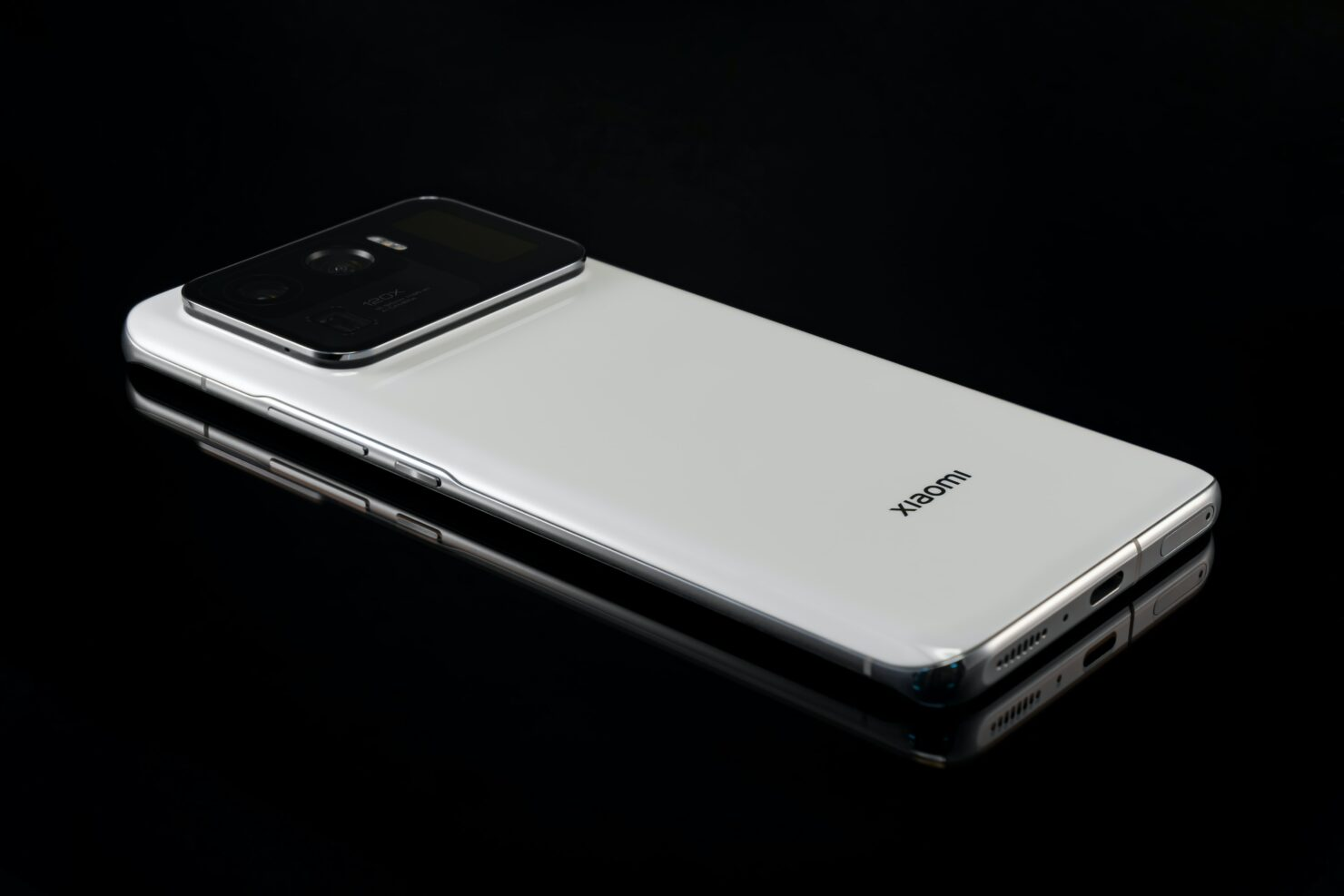 Xiaomi Details How Its 120W Charging Will Affect the Battery and It's Not as Bad