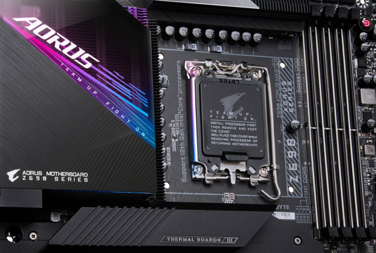AORUS Z690 Master Motherboard Pictured - High-End Design With Finned Heatsinks In An E-ATX Form Factor